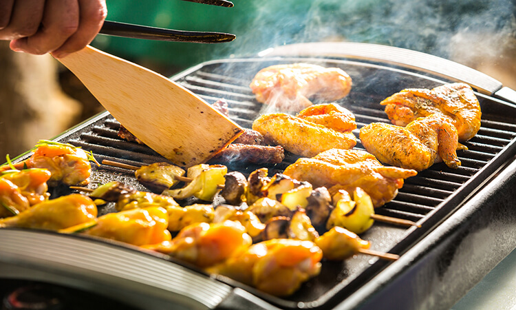 How To Clean An Electric Grill: An Easy Guide
