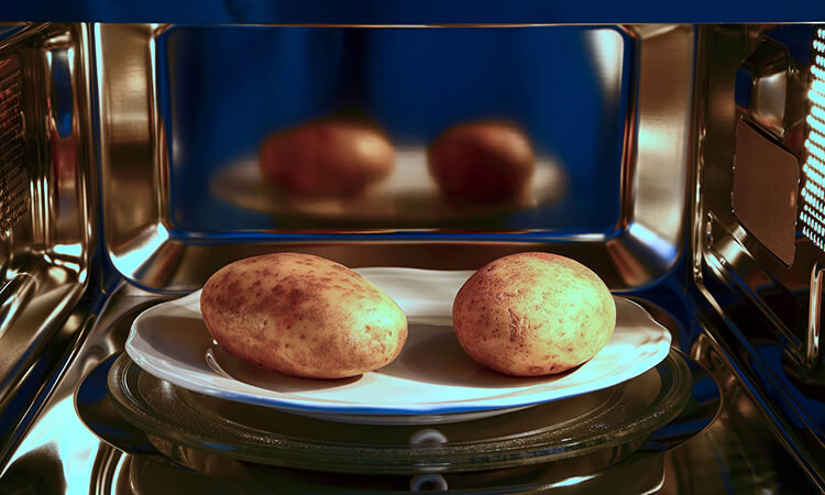 How To Bake A Potato In The Microwave: Easy Steps