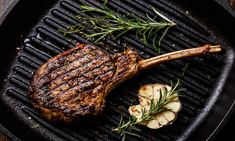 How To Cook Steak In An Electric Skillet: 3 Easy Steps